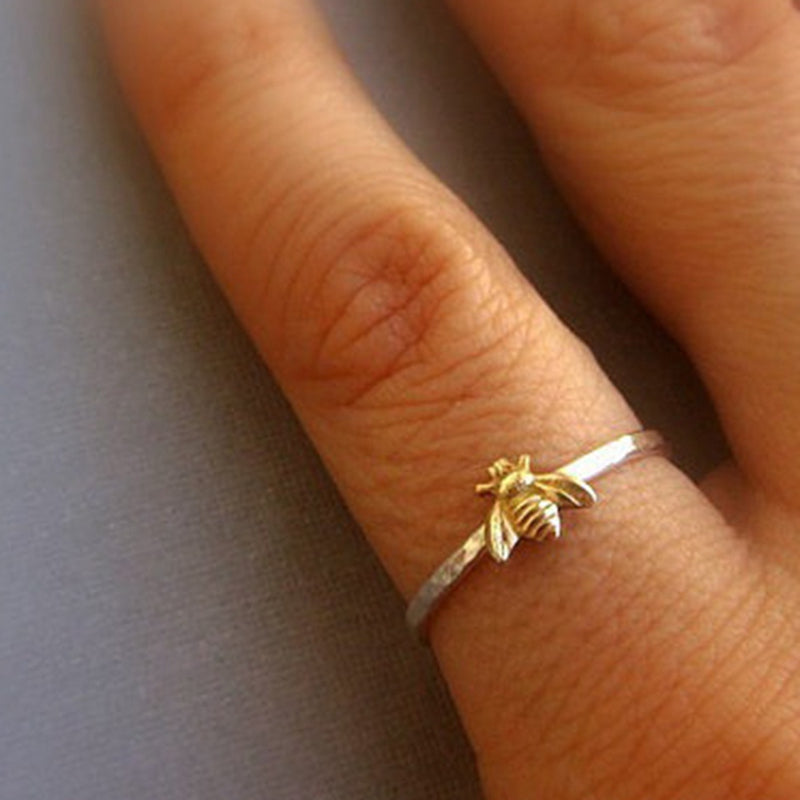 Tiny Gold Bee Hammered Band