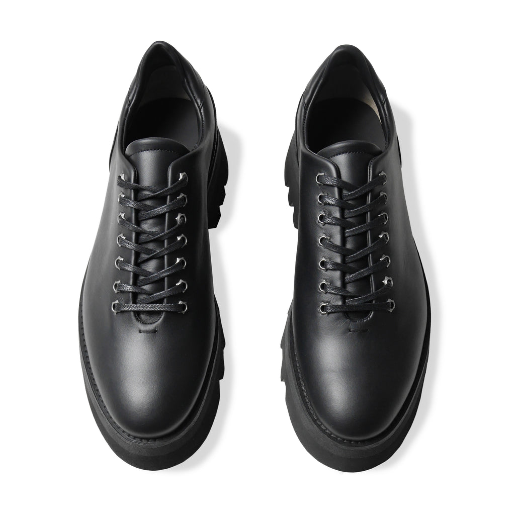 GLACIA Black Wholecut Oxfords