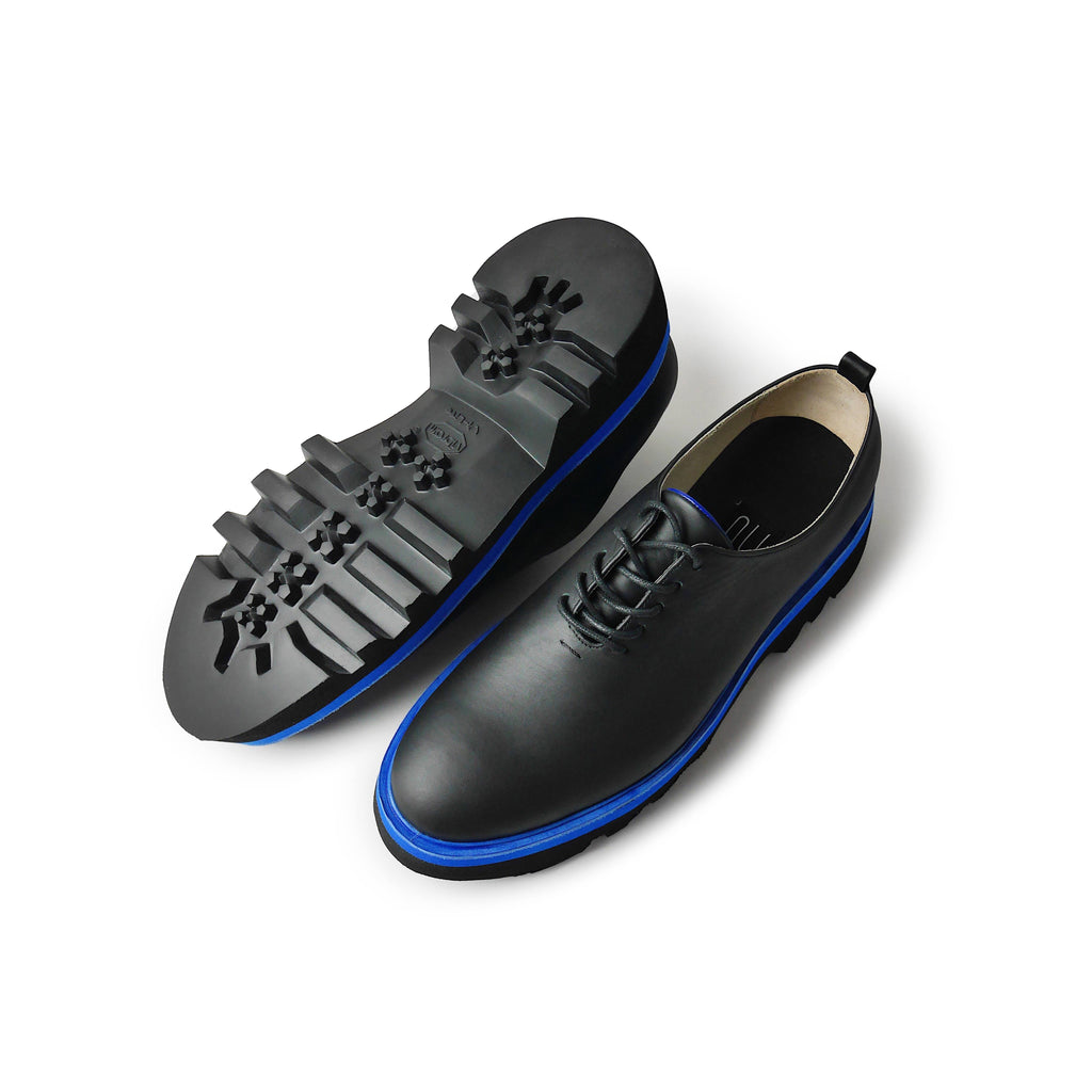 EARTH Wholecut Leather Oxford Shoes