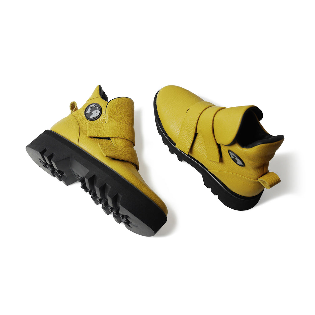 EARTH Leather Boots Yellow