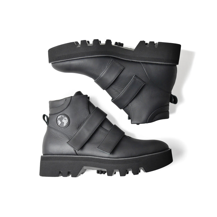 EARTH Leather Boots Black
