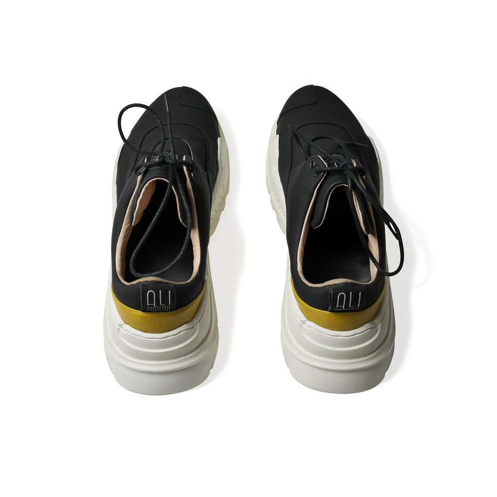EARTH Mascaron Leather Sneakers