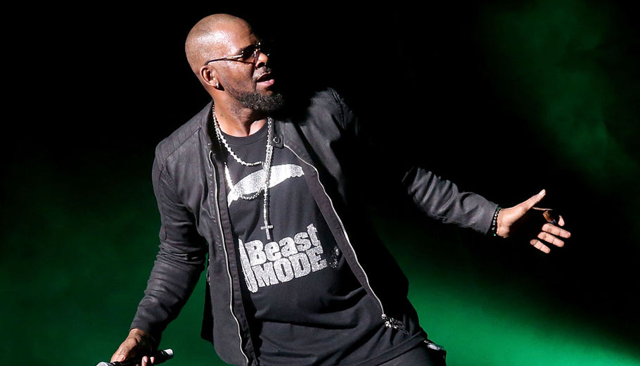 R Kelly fans pay $100 to see a 28 second performance at bizarre meet and greet