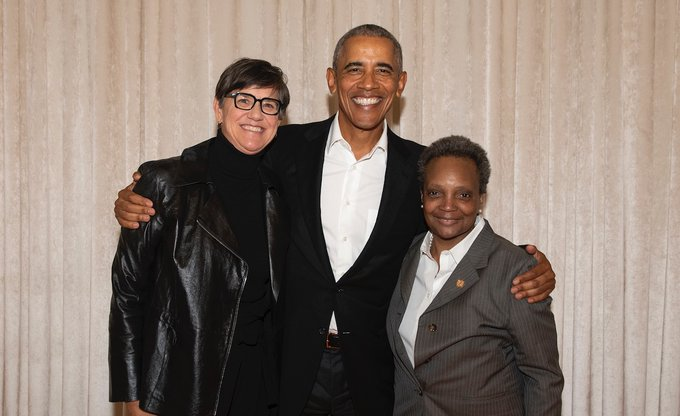 CHICAGO MAYOR POSES WITH BARACK OBAMA ON SAME DAY SHE REFUSED TO MEET DONALD TRUMP