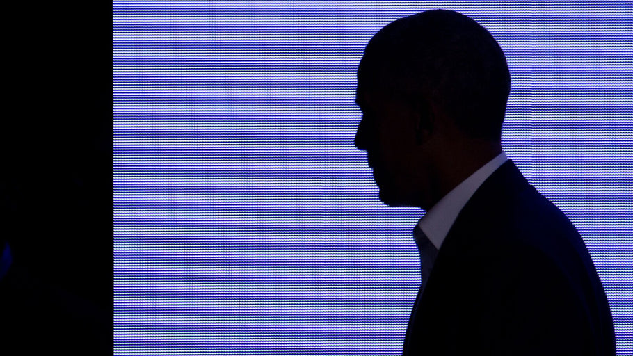 Barack Obama's Cryptic Tweet Sets Twitter Alight With Speculation