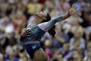 Simone Biles Makes History Again With Jaw-Dropping Beam Dismount