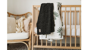 Dot-To-Dot Stretch Swaddle