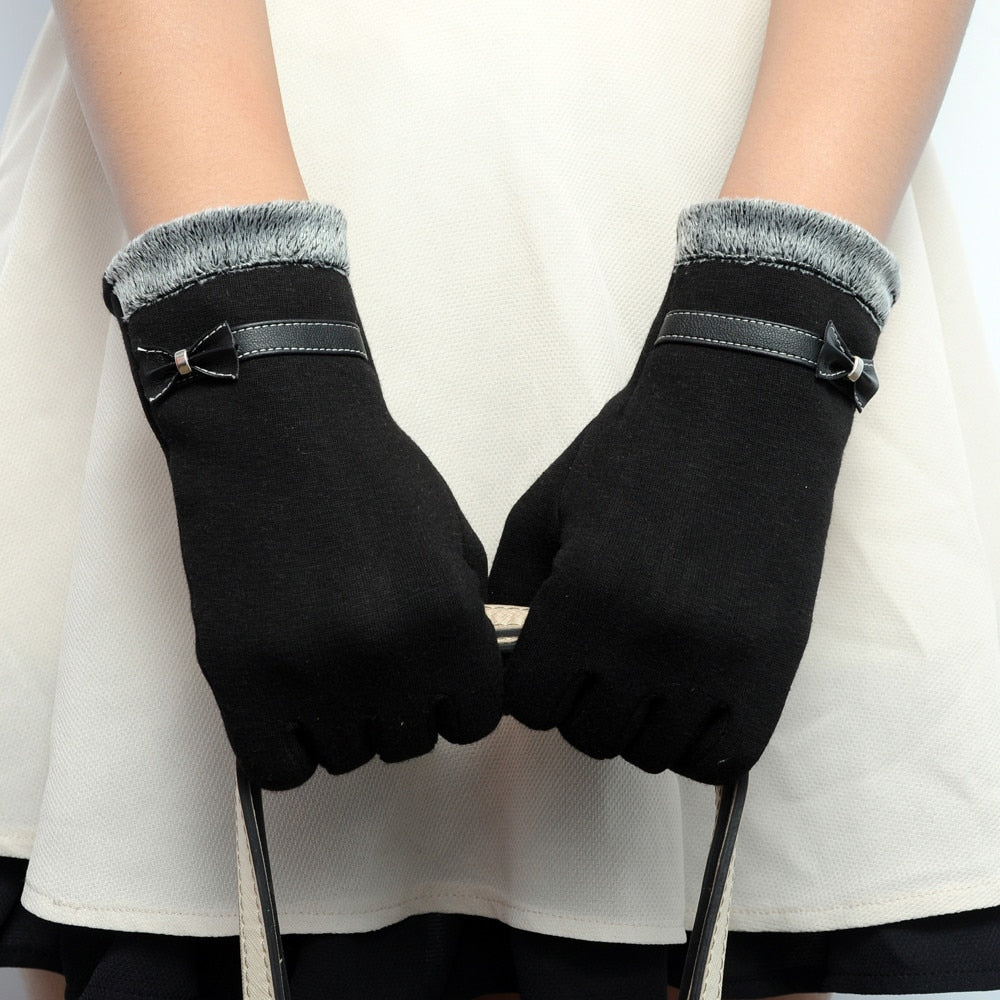 Women's fashion gloves smartphone compatible