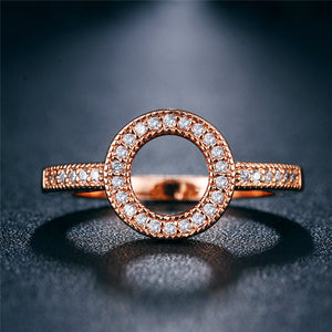 Rose Gold or Silver coloured dress ring - O style