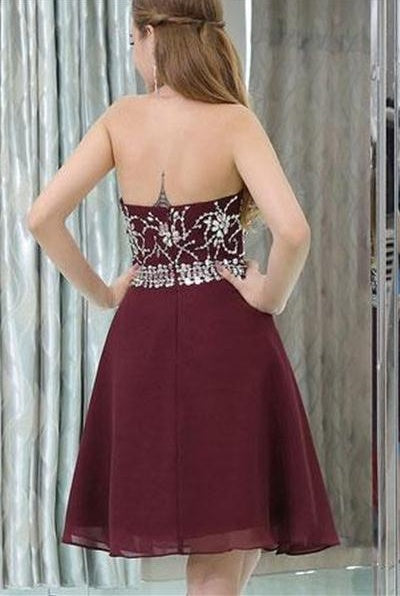 Halter Burgundy Chiffon Short A-line Backless Beading Homecoming Dresses Z1122