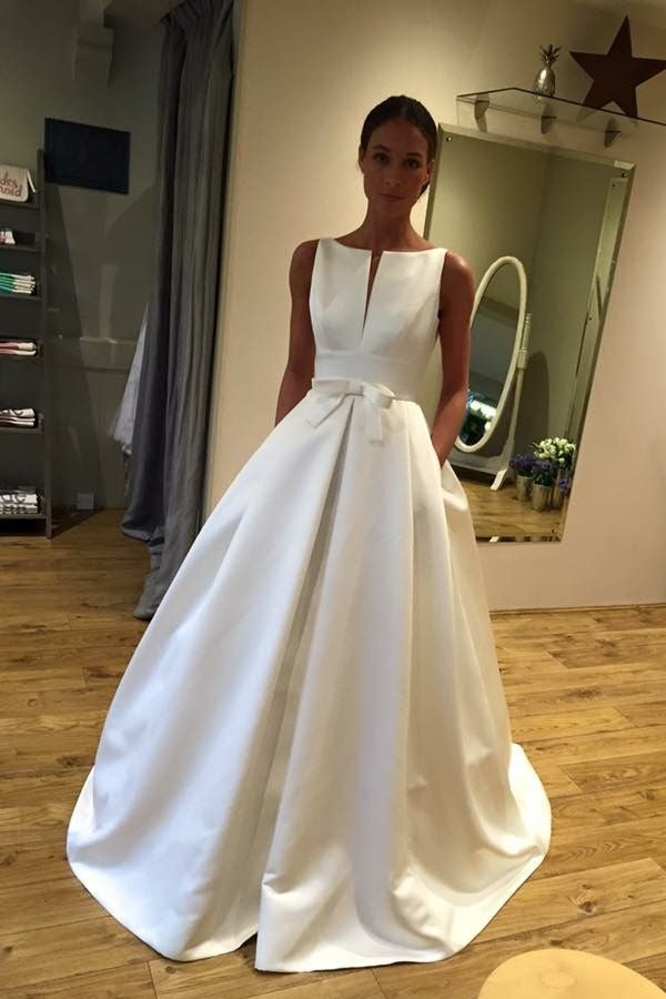 Sleeveless Long Ivory Simple Cheap Elegant Wedding Dresses With Pockets Z1714