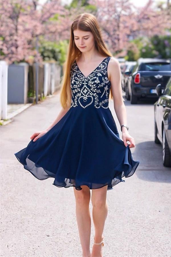 Navy Blue And Silver V-neck Beading A-line Homecoming Dresses For Teens Z2135