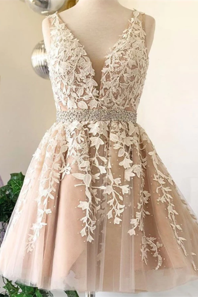 Pretty Beading Lace V-neck A-line Backless Short Prom Dresses Homecoming Dresses Z2198