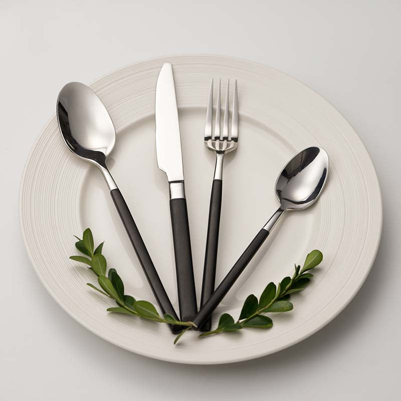 Clow Flatware Set - Cloudberrytale