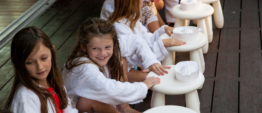 girls having fun at a spa pamper party