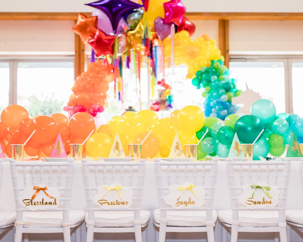 Kids table with gorgeous cloud chair name tags on white kids' tiffany chairs