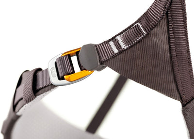 Petzl Aquila Harness, buckle design detail