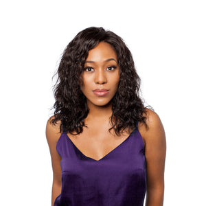 The deep wave closure completes this wavy hairstyle perfectly