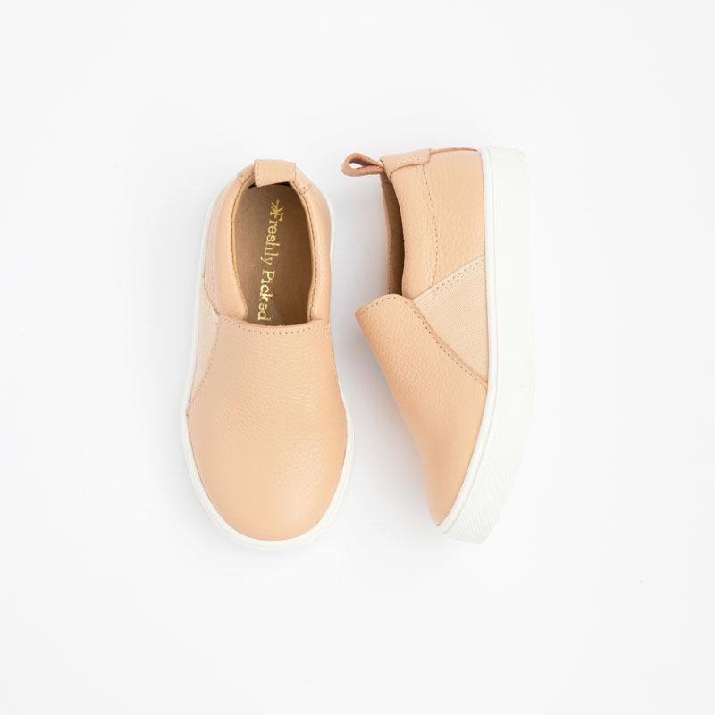 FP HAZELNUT CLASSIC SLIP ON SNEAKER