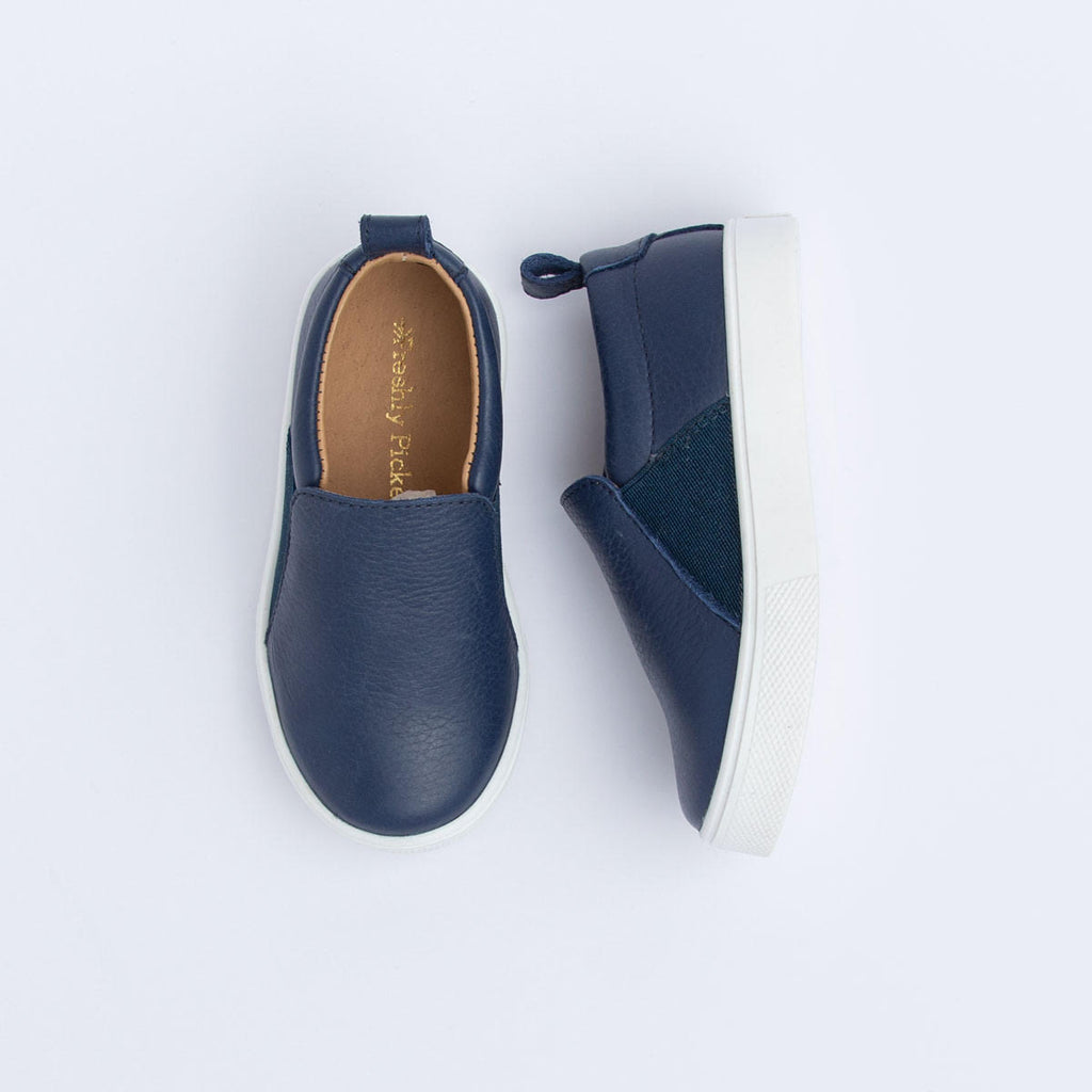 FP NAVY SLIP ON SNEAKER