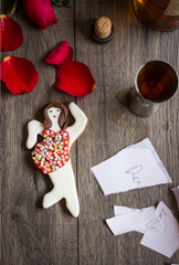 quirky gingerbread gifts for valentine's day