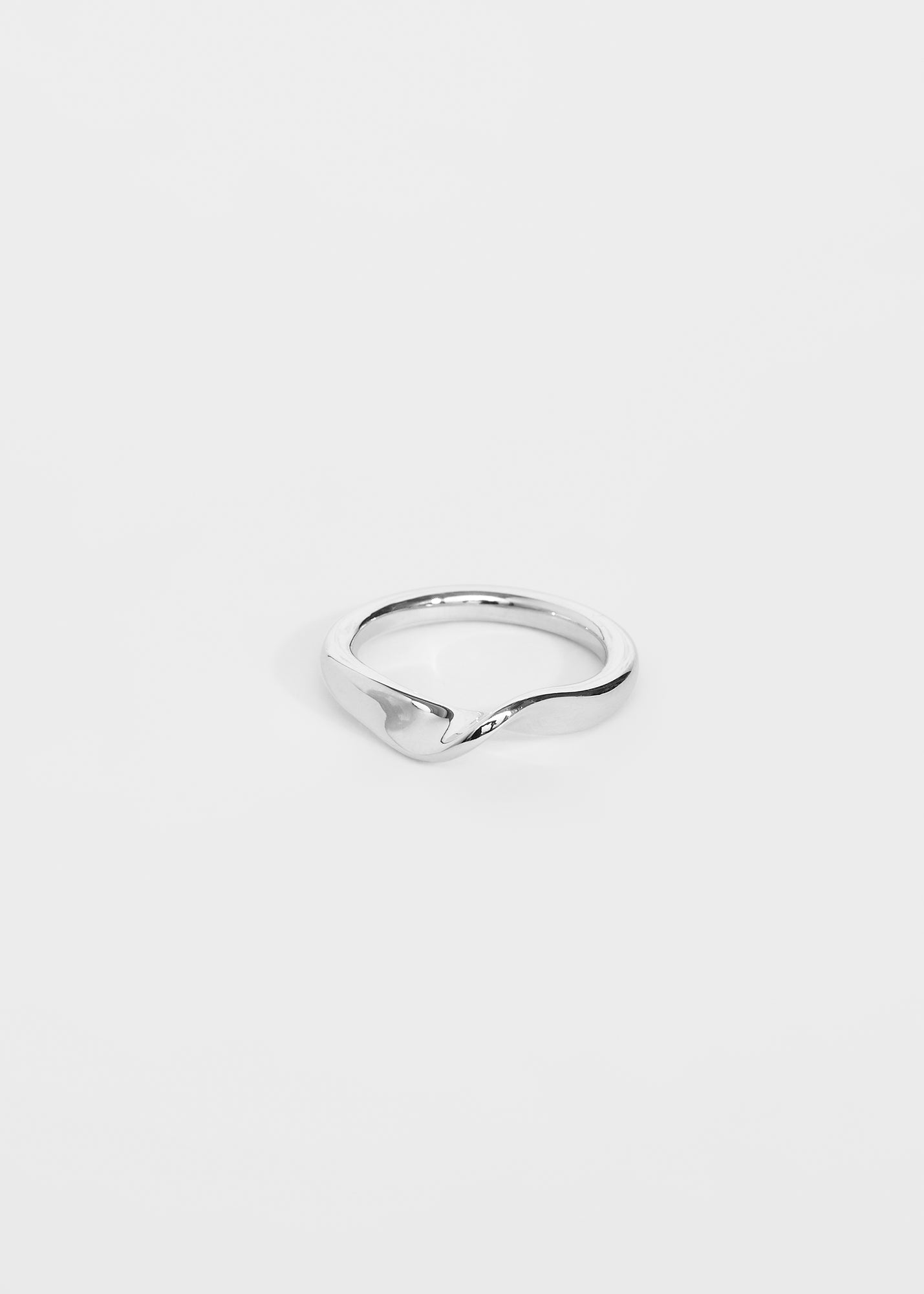 Wave Ring III - Trine Tuxen Jewelry