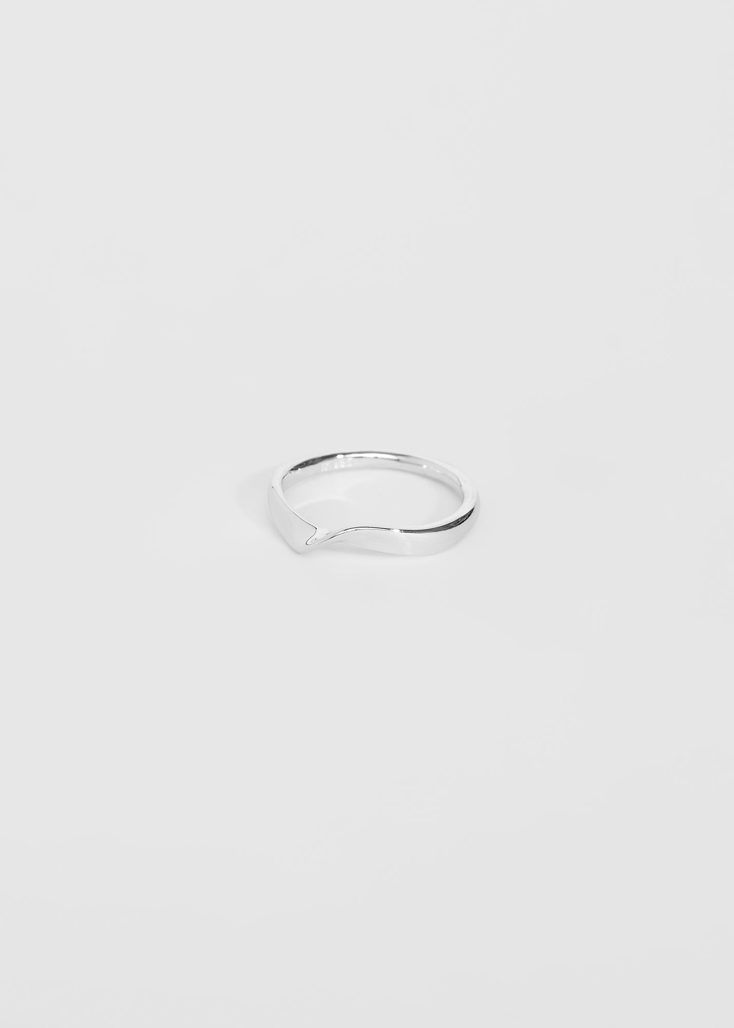 Wave Ring II - Trine Tuxen Jewelry
