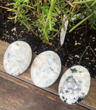 Rainbow moonstone palm stone/gallet - Angel Eyes Shop