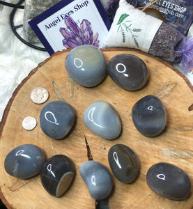 Blue agate palm stone - Angel Eyes Shop