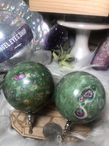 Ruby fuschite sphere - Angel Eyes Shop