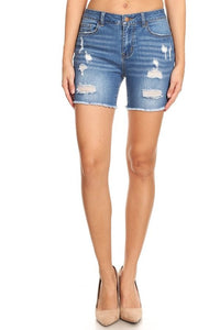 Encore HIGH-RISE MEDIUM WASH DISTRESSED FRAY HEM SHORT