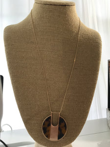 Brown Resin Circle Pendant Necklace