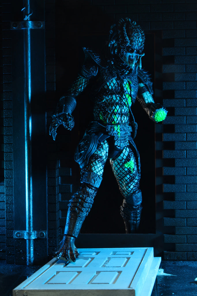 "NECA Predator 7"" Scale Ultimate Battle-Damaged City Hunter Action Figure 634482514283"