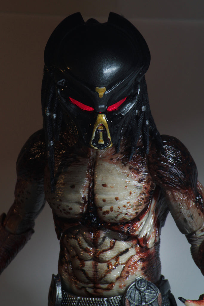"NECA Predator Ultimate Fugitive Predator (Lab Escape) 7"" Scale Action Figure 634482515815 LED Light Up"