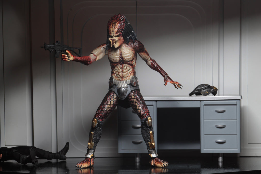 "NECA Predator Ultimate Fugitive Predator (Lab Escape) 7"" Scale Action Figure 634482515815"
