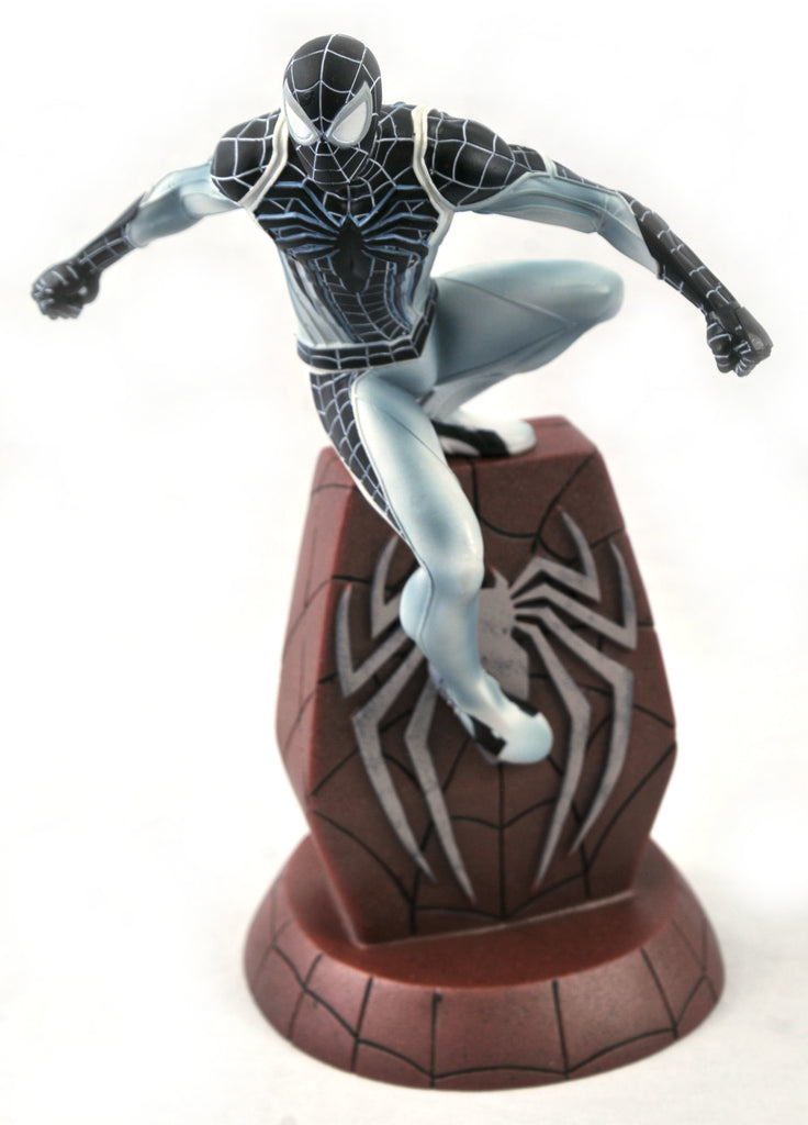 SDCC 2020 Marvel Gallery PS4 Negative Suit Spider-Man PVC Statue  699788841914