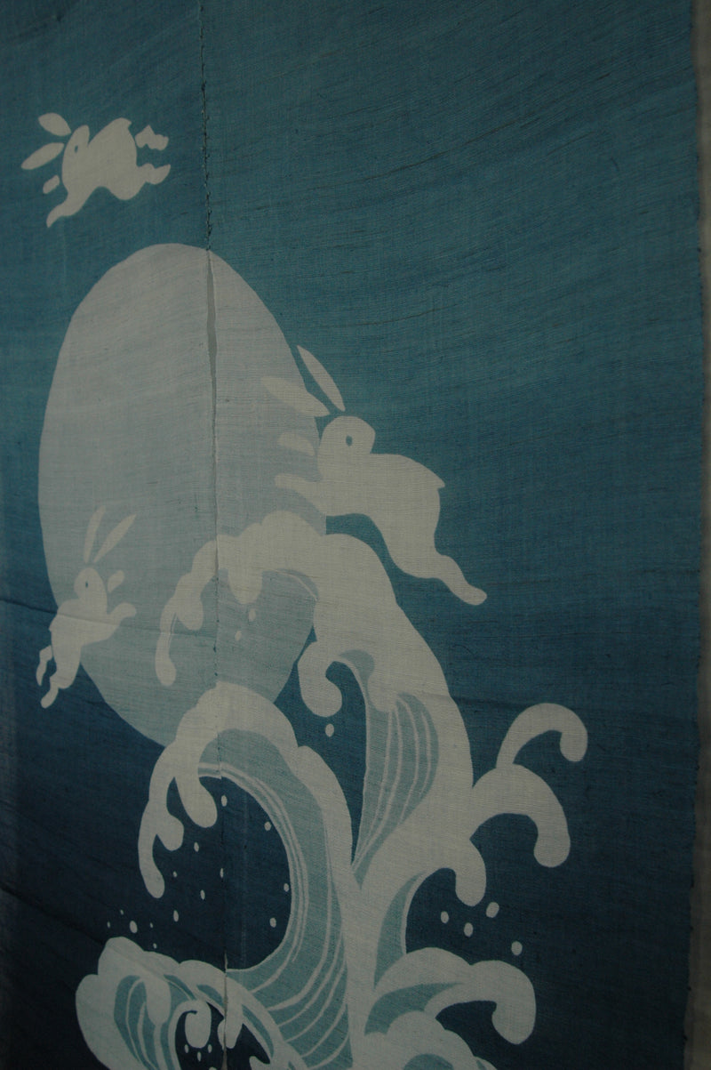rabbit and full moon on wave on blue (WE05-134)
