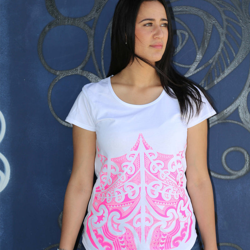 Beautiful Model wearing white tshirt with pink ta moko maori design