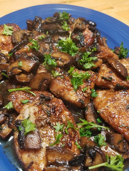 Sauted Chicken with Thyme and Mushrooms