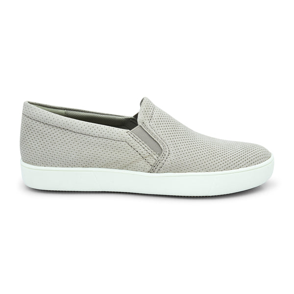 Naturalizer Marianne Slip-On Sneaker - batabd
