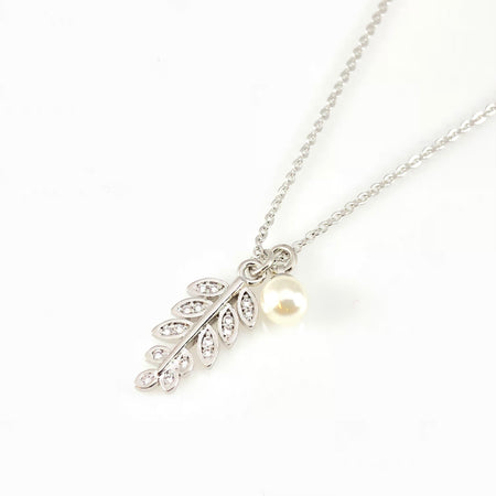 Teardrop & Leafs Pendant Necklace