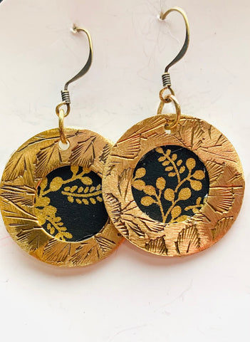 Brass small circle and black gold earrings