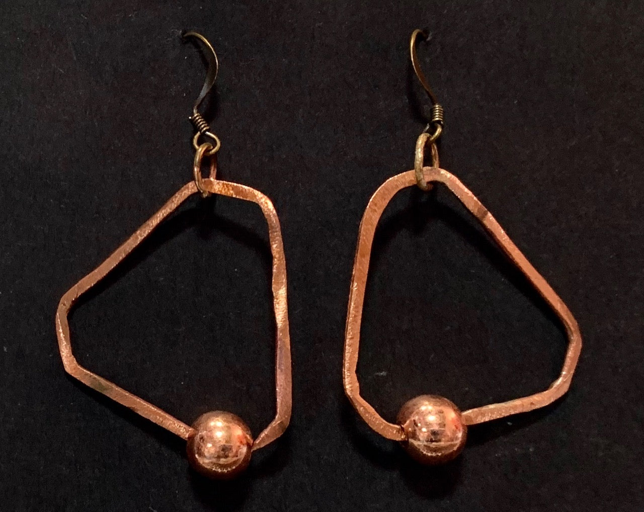 Hoop and bead copper earrings triangle