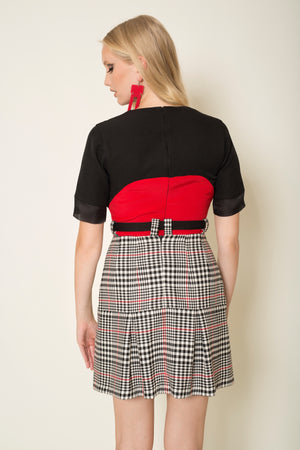 Prince de galles box pleated skirt with herringbone tape belt