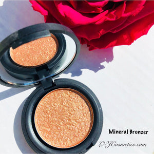 All natural Mineral Based Bronzer with UV protection