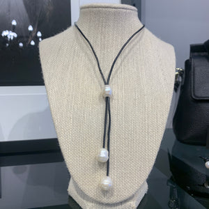 Leather and Pearl lariat necklace black leather #317