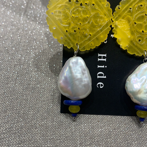 Baroque f/w pearl yellow earrings
