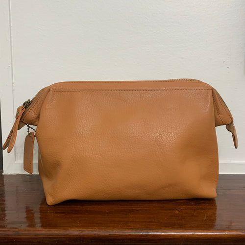 Toiletry Bag Tan