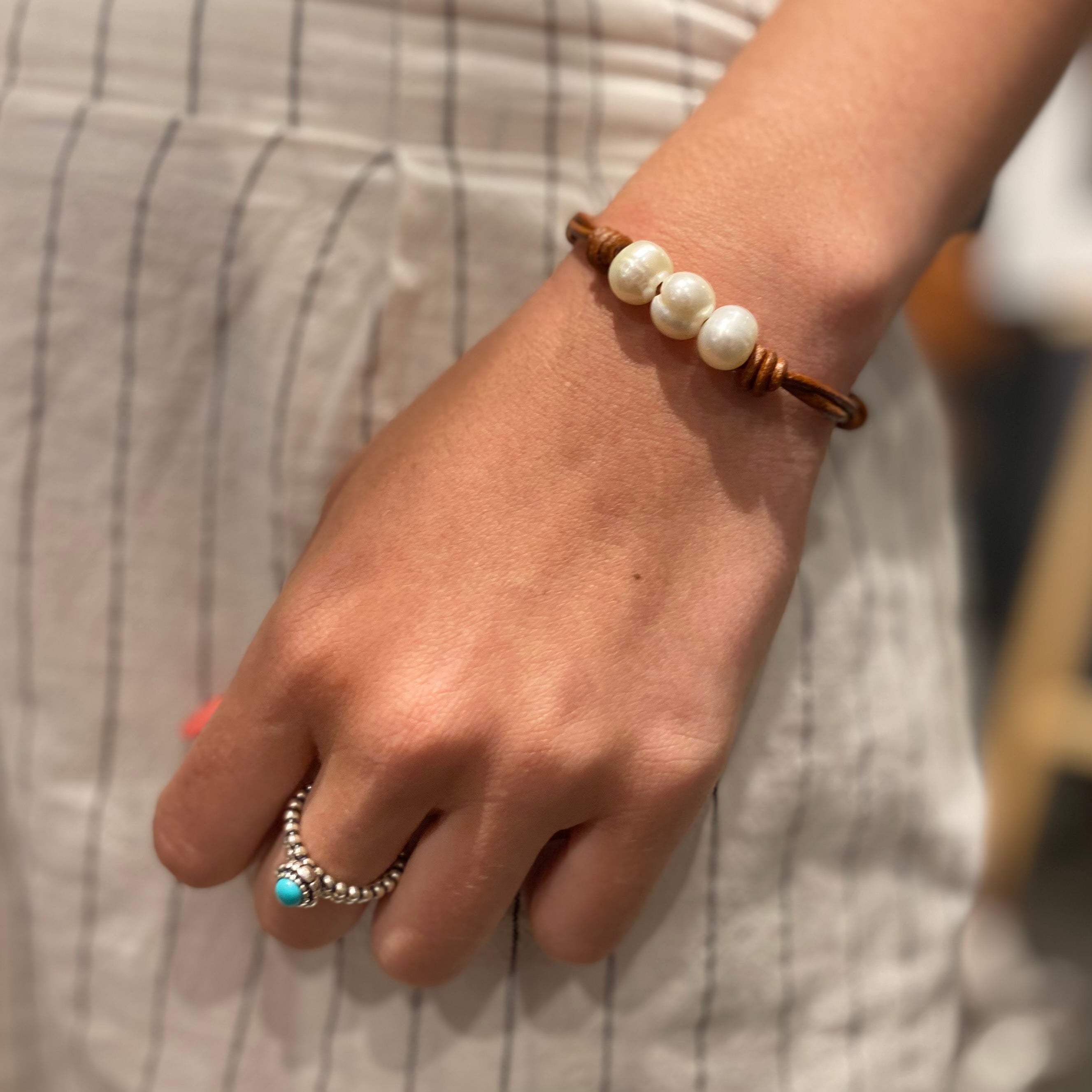 Leather and Freshwater Pearl Bracelet dark tan