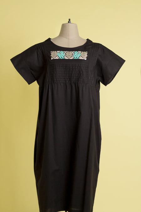 Vestido gabán Dzitnup / Dzitnup gaban dress